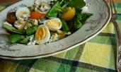 Видео рецепта: Салата с бейби спанак и микс от чери домати