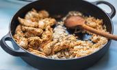 Пилешки крилца с ориз и кориандър