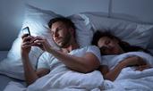 Какво е секстинг и защо се смята за изневяра?