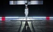 Лейди Гага се появи с летяща рокля