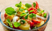 Свежа салата с картофи