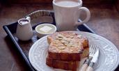 Френски тост с филирани бадеми