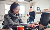 Как да работите от вкъщи с половинката си без да се избиете