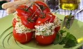 Салата с риба тон и артишок в домат