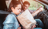 Как да се справим с гаденето по време на път?