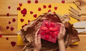 Идеи за коледен подарък за учител
