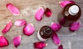 9 уханни ползи от розовото масло