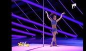 Видео на седмицата: Красива акробатика на пилон