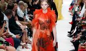 Ефирни рокли и красиви бродерии от Valentino