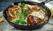 Пилешки гърди в сос от пармезан, сметана и гъби