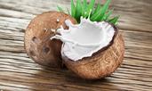 4 разкрасяващи грижи с кокосово мляко