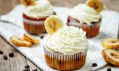 Мъфини с банан, шоколад и кремава глазура