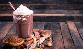 Топъл шоколад с фъстъчено масло
