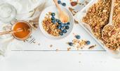 Домашна гранола с мед и ядки