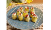 Суши с кисели краставички, крема сирене и салам