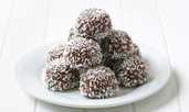 Шоколадови топчета със захаросани плодове