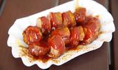 Хапки от наденица с барбекю сос