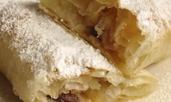 Ябълков щрудел със стафиди