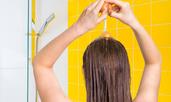 Популярни домашни средства, които всъщност съсипват косата