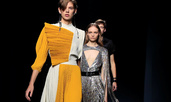 Асиметрични линии и висока талия в колекцията на Givenchy за пролет/лято 2019