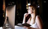 5 причини извънредната работа да не помага на кариерата ви