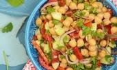 Лесна салата с нахут