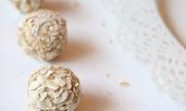 Енергийни бонбони с овес, ленено семе и шоколад