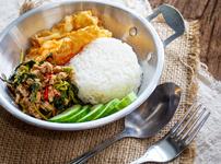 Пилешко по тайландски с ориз