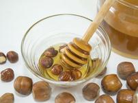 Лешници в акациев мед