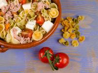 Средиземноморска салата с паста