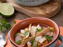 Мексиканска супа с пиле и авокадо