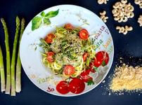 """Водещата на """"Линия """"Здраве"""" Яна Данаилова и нейната рецепта за сурова паста"""