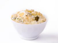 Картофена салата с яйца, сирене и кашкавал