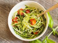 Зеленчукова паста от тиквички и авокадо