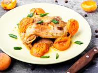 Печено пилешко с кайсии