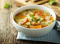 Зелева супа с моркови и целина