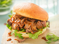 Бургер със свинско в мултикукър