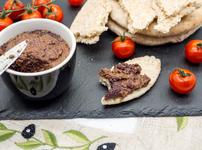 Разядка с маслини и артишок