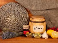 Разядка с чесън, мед и орехи