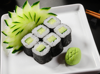Лесно суши с краставица