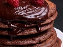 Палачинки от шоколадово тесто с глазура