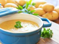 Пикантна картофена крем супа със сирене