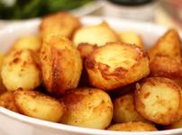 Хрупкави печени картофи с чесън и пармезан