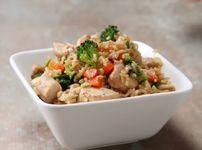 Пържен ориз с пиле и зеленчуци