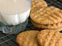 Лесни домашни бисквити с фъстъчено масло
