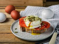 Поширани яйца Капрезе