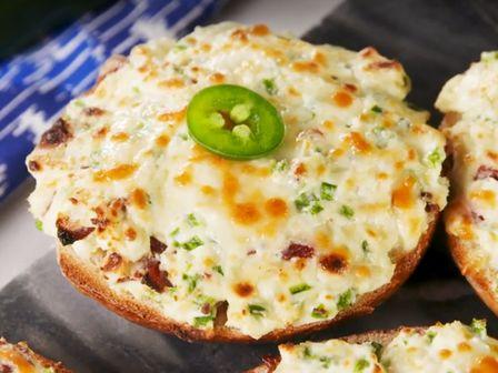 Запечени хлебчета с крема сирене и бекон