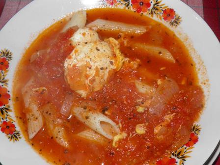 Доматена супа с яйца
