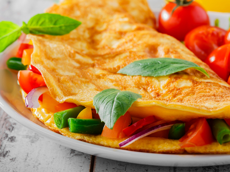 Вегетариански омлет със синьо сирене