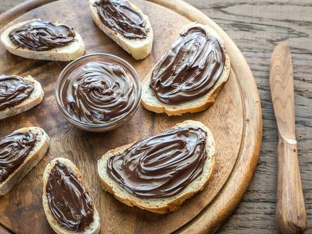 Шоколадов хумус с фъстъчено масло